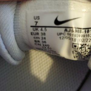 Nike Shoes - Nike women's running shoe
